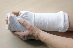 woman suffered crush injury to hand and fingers
